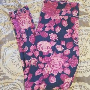 New Lularoe Gray w/Pink Roses TC Leggings